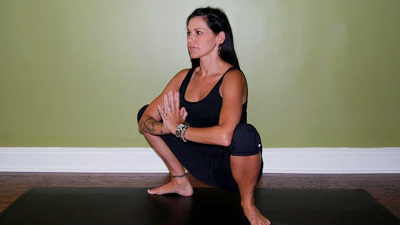 deep squat groin stretch